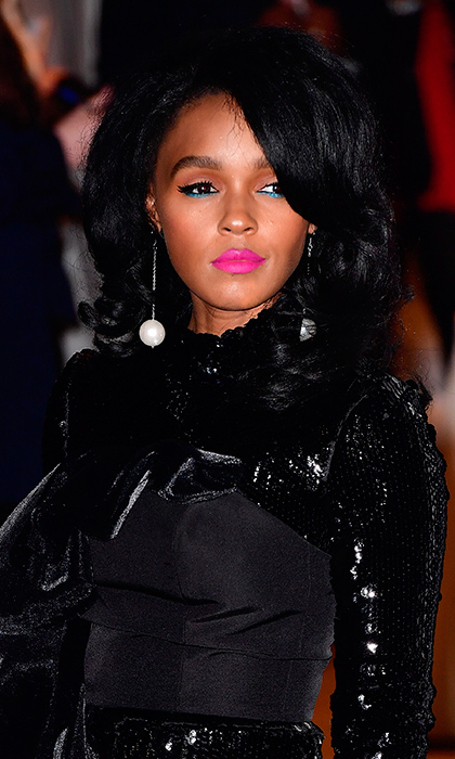 <b>Janelle Monae</b>'s electric eye and fluorescent lips gave us some serious ideas for party season as she stepped out for the 2016 IFP Gotham Independent Film Awards at Cipriani Wall Street on November 28 in New York City. 