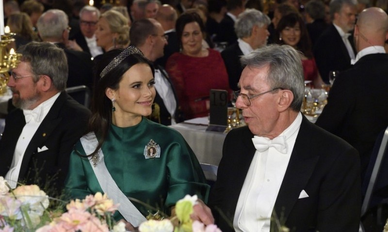 Princess Sofia sat next to Nobel Physics laureate Jean-Pierre Sauvage. Prince Alexander's mother was merry in a green satin gown that she paired with the Other Steel-Cut tiara.