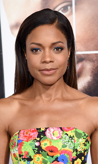 Naomie Harris' cobalt blue liner complemented her dress at the <I>Collateral Beauty</I> World Premiere at Lincoln Center on December 12 in New York City. 