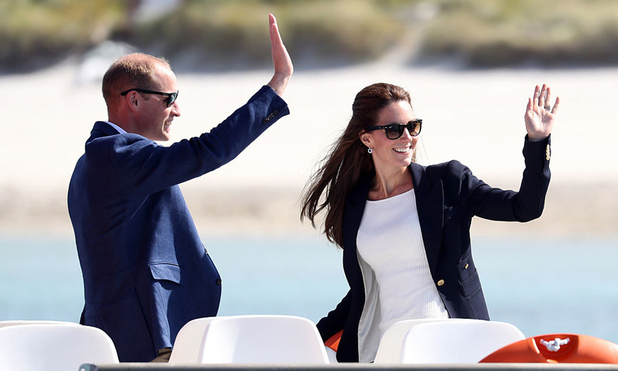 Kate Middleton and Prince William were in sync as they waved during their visit to the Isles of Scilly.