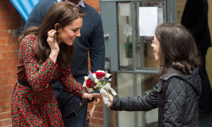 The mom-of-two was gifted a beautiful bouquet of red and white roses by a young girl from The Harrow Club.