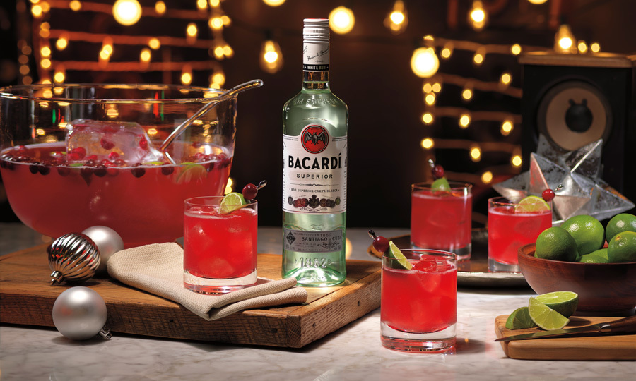 <b>GINGERBERRY BACARDÍ RUM PUNCH</b>
