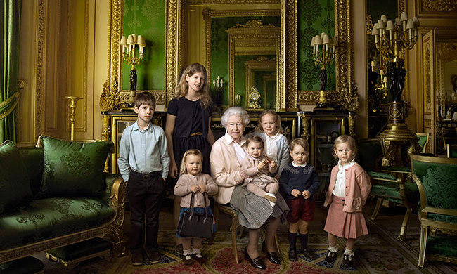 Queen Elizabeth's 90th birthday portrait was one of the sweetest royal moments of the year. Captured by iconic photographer Annie Leibovitz, the Queen was joined by her five great - grandchildren, Prince George, Princess Charlotte, Isla and Savannah Phillips and Mia Tindall, along with her two youngest grandchildren, Viscount James Severn and Lady Louise Windsor.