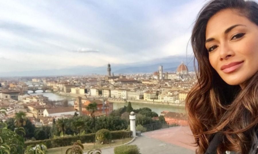 It was all about reflection in the new year for Nicole Scherzinger. The former Pussycat Doll traveled to Florence, Italy to take in the historic art and architecture. 