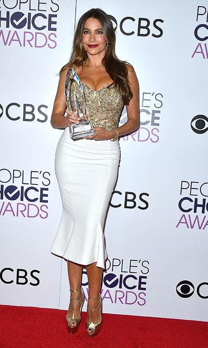 January 18: Favorite Comedy TV Actress winner Sofia Vergara accentuated her famous hourglass figure in an embellished Marchesa ensemble at the People's Choice Awards 2017 at Microsoft Theater in Los Angeles. 
