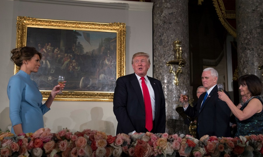 <b>Let's eat</b> 