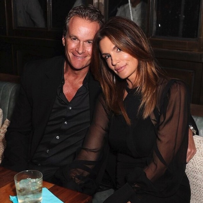 "Cindy Crawford wished her ""babe"" Rande Gerber a Happy Valentine's Day.