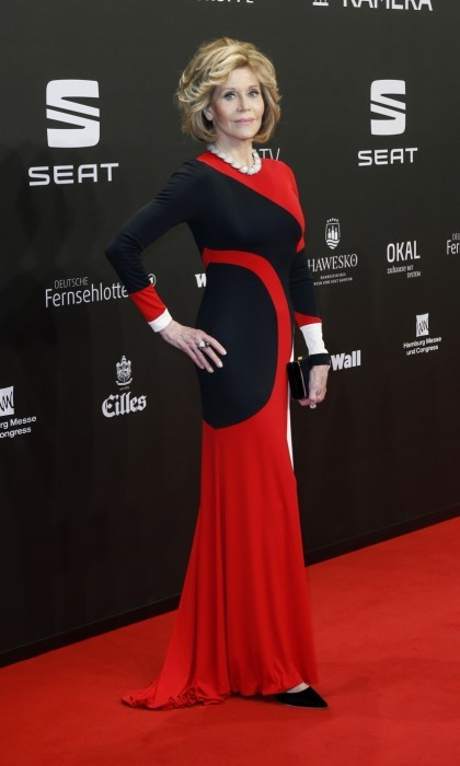March 4: Jane Fonda looked as glamorous as ever when she hit the red carpet in a long red, white, and black Naeem Khan gown. The stunning 79-year-old turned heads at the Goldene Kamera Awards in Hamburg, Germany.
