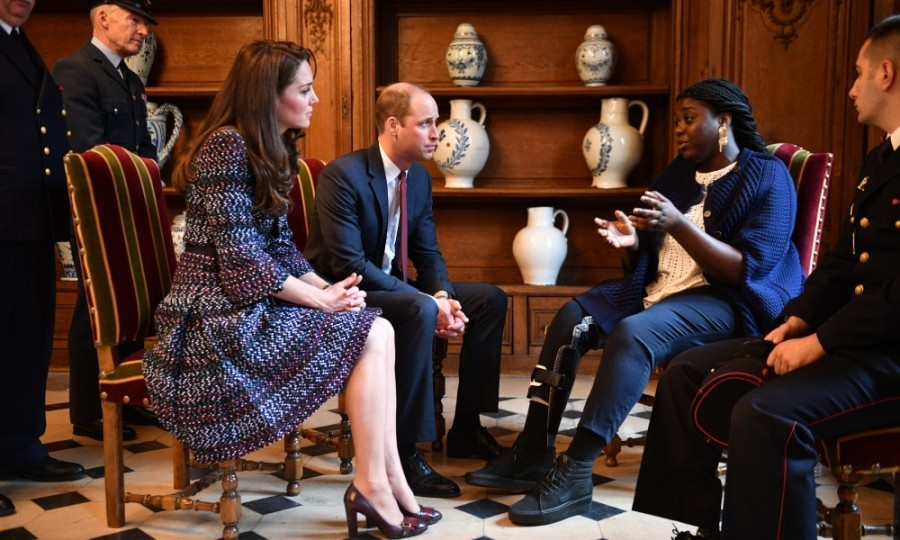 Prince William and Kate met with French attack survivors.
