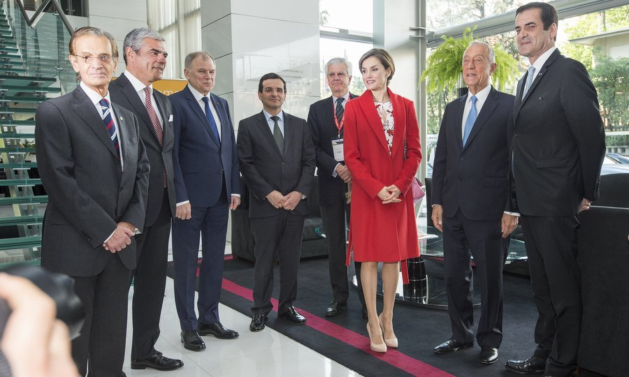 Queen Letizia of Spain stood out from the crowd at the 7th European Conference 'Tobacco or Health' in Porto, Portugal on March 23.