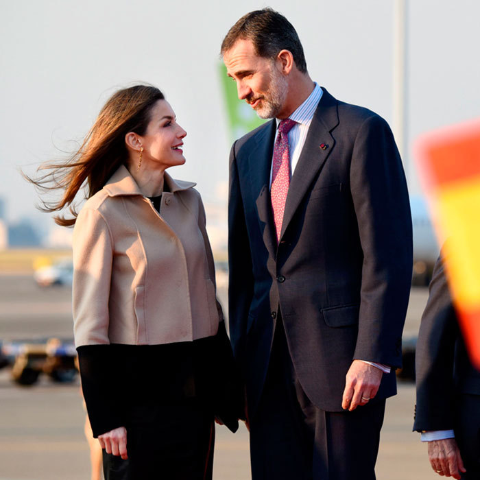 King Felipe VI and Queen Letizia of Spain kicked off their four-day state visit to Tokyo, Japan on April 4. The monarchs stole a quiet moment together gazing into each other's eyes upon their arrival to Haneda Airport.