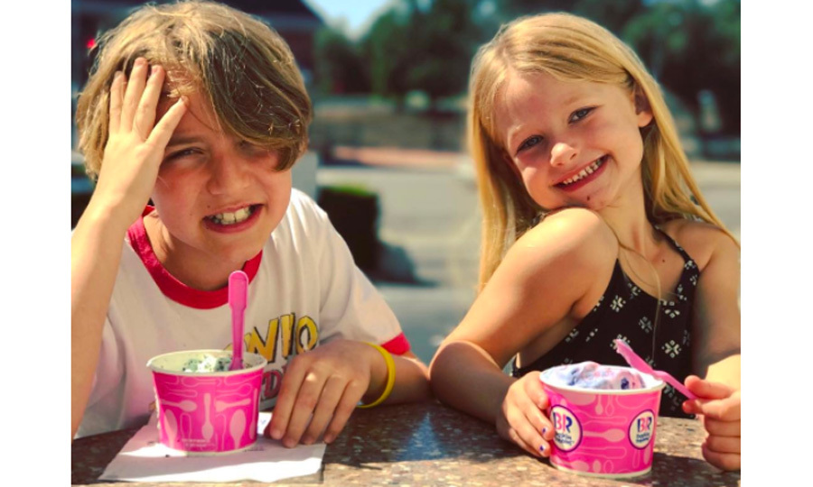 Jessica Simpson's daughter Maxwell and Ashlee Simpson's son Bronx are cousins that sure live that sweet life. The fashionista posted this photo on Instagram with the two hamming it up with some Baskin Robbins ice cream.