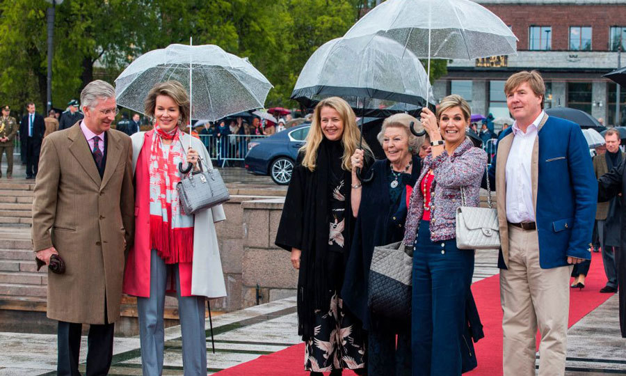 King Philippe  and Queen Mathilde of Belgium, Princess Mabel of the Netherlands, Princess Beatrix, Queen Maxima and King Willem-Alexander were good sports as they arrived to Honnorbrygga in Oslo for the boat trip.
