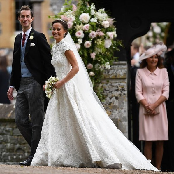 <B>CHOOSE PASTEL HUES</B>