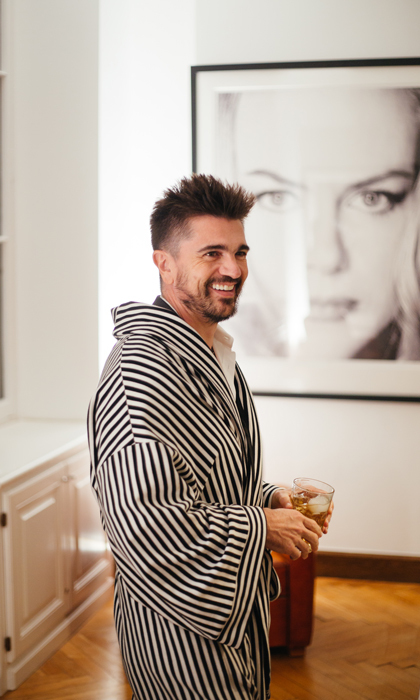 Juanes got comfy in a Vestment robe as he previewed his visual album <i>Mis Planes Son Amarte</i> at Chateau Savant.