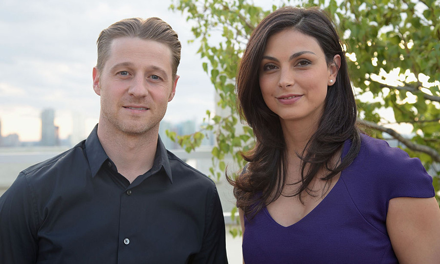 <b>Ben McKenzie and Morena Baccarin<b>