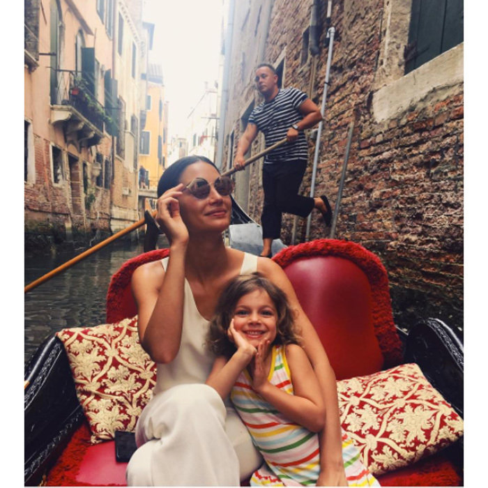 Lily Aldridge and daughter Dixie had the perfect mommy-daughter getaway in Venice in June 2017 when the supermodel had to visit the Italian city for a Bulgari event.