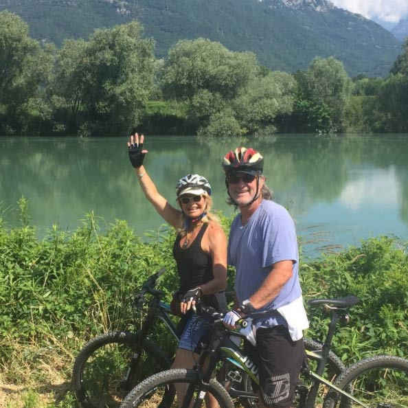 <b>Goldie Hawn and Kurt Russell</B> 