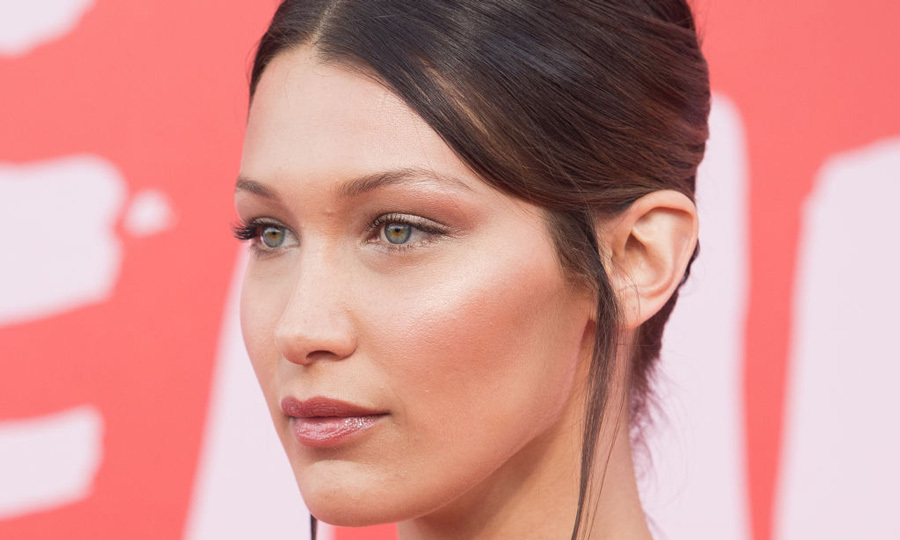 From runways to red carpet events, the beauty trends perfect for summer are dewy skin and a highlighted complexion. Click through to see the best products to get those bronzed cheekbones.