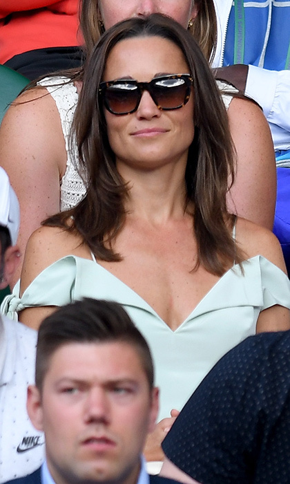 Wearing an off the shoulder dress, Pippa Middleton was in the stands for the second time during Wimbledon 2017.