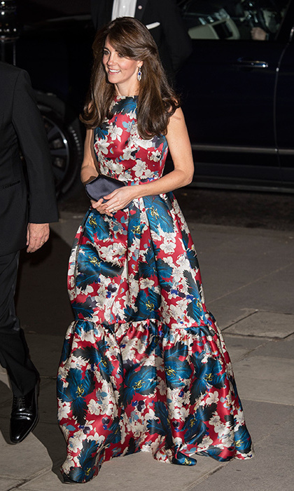 In October 2015 at the 100 Women in Hedge Funds Gala, Kate paired her floor-length floral gown by the Canadian-born designer with the Queen Mother's diamond and sapphire fringe earrings. 