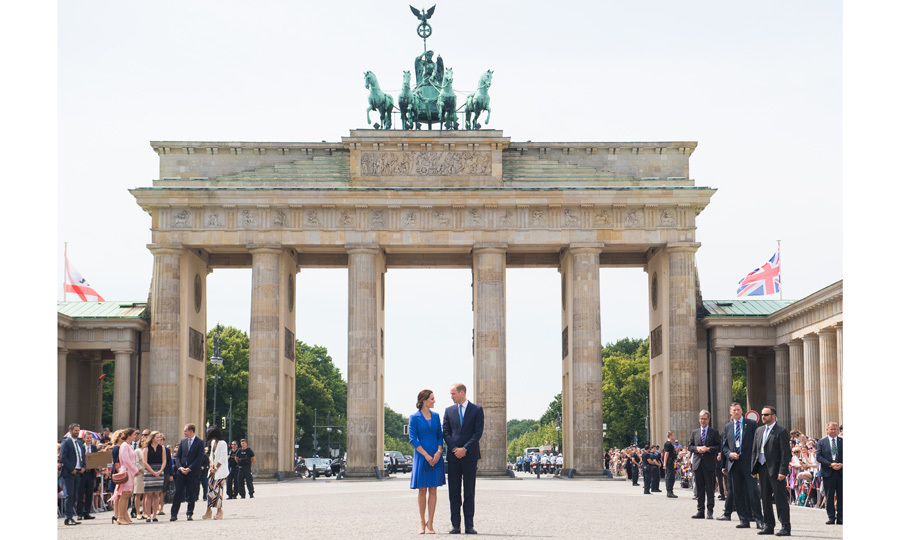 The royal couple exchanged a loving look visiting the iconic symbol of German unification, the Brandenburg Gate.