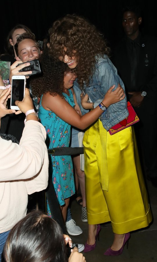 Zendaya gave a huge hug to an emotional fan during Day 1 of  the 5th Annual Beautycon Festival in Los Angeles on August 12. 