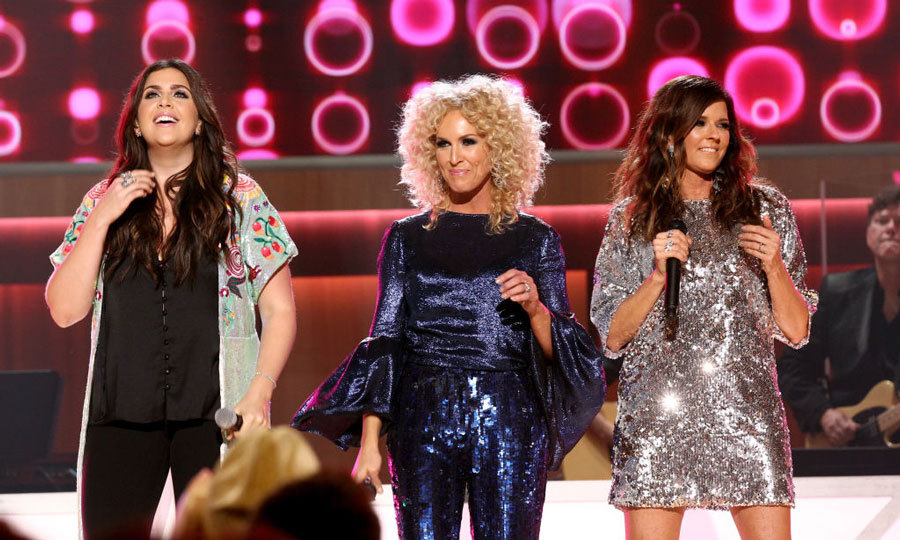 Just a week after announcing she is pregnant with twins, Hillary Scott took the stage with Little Big Town's Kimberly Schlapman, and Karen Fairchild to perform onstage during the 11th Annual ACM Honors in Nashville.