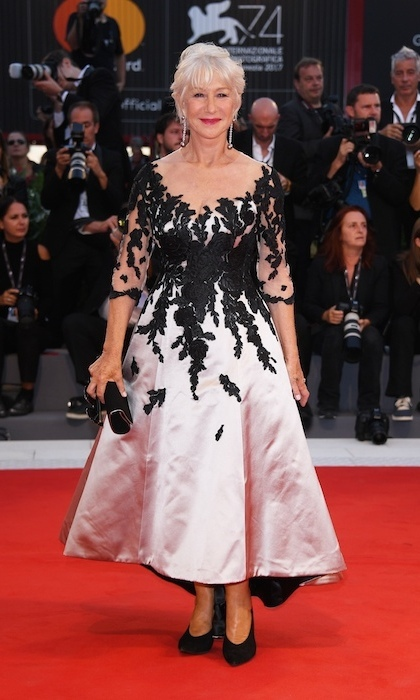 Helen Mirren also looked elegant at the premiere, wearing a lace-embellished Sassi Holford dress and Chopard jewelry.