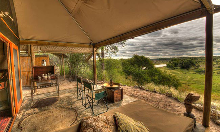 <b>August 2017</b>
