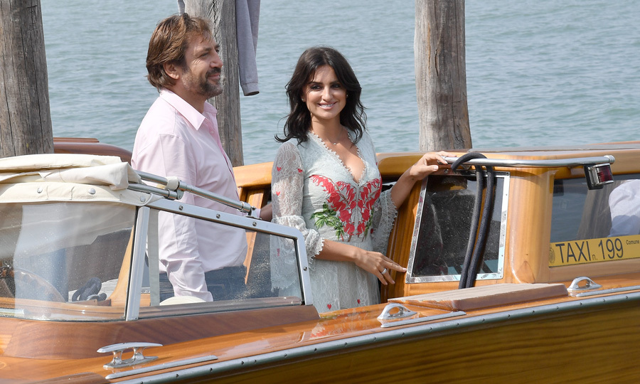 Penelope and Javier made their way to their <i>Loving Pablo</i> photocall at the Venice Film Festival.