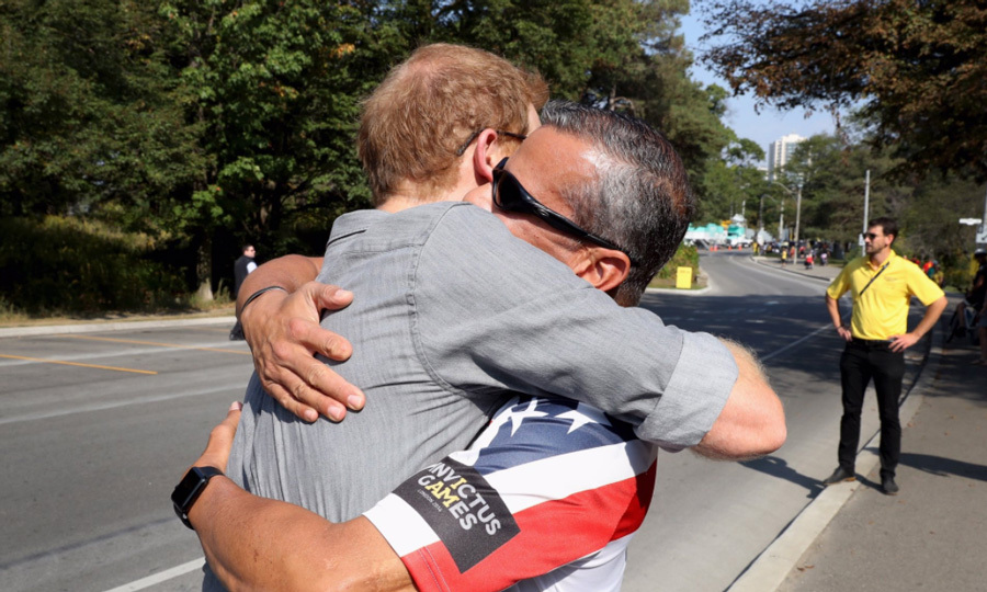 Harry had enough love to go around as he hugged it out with Ivan Castro at the cycling competition. Ivan ran both the London and Boston marathon on behalf of Heads Together.