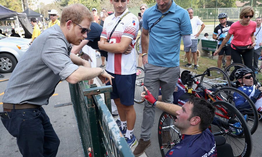 Game on! Harry chatted with a cyclist ahead of the competition on September 27.