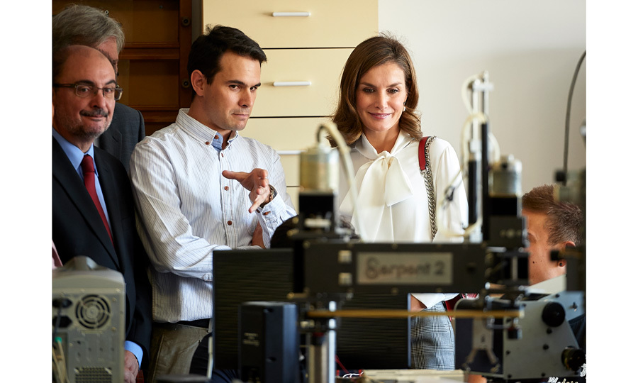 Queen Letizia attended the opening of the vocational training course 2017/2018 at a local high school in Teruel, Spain.