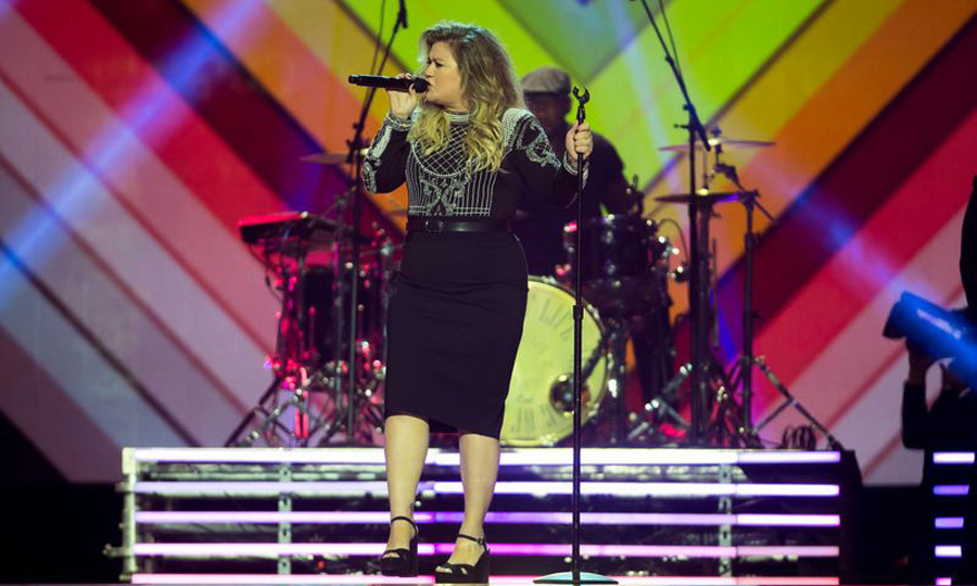 Kelly Clarkson belted out some of her hits for the closing ceremony.