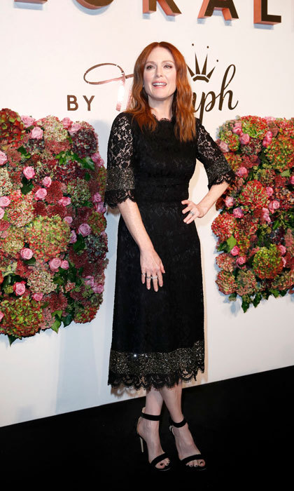 Julianne Moore was a timeless beauty in lace as she hosted the Florale By Triumph dinner Altes Stadthaus on October 5 in Berlin. 
