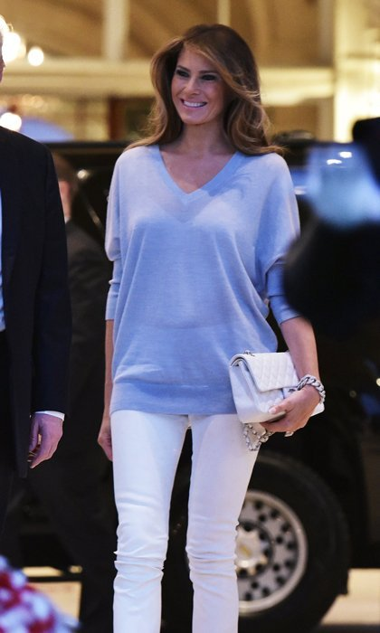 Melania showed off a cozy and laid-back look on Super Bowl Sunday 2017. The beauty wore an oversized sky blue sweater and white jeans to a watch party held at Trump International Golf Club Palm Beach. She went sans jewelry, save for a thick silver bracelet.