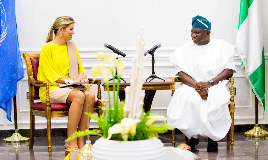 Queen Maxima kicked off her royal visit to Nigeria on October 31. The Dutch royal met with Lagos State Governor Akinwunmi Ambode at his office. Following their meeting, a round table was held with private sector representatives to discuss the importance of unimpeded access to financial services.