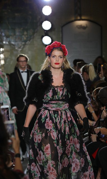 Lady Kitty Spencer walked for Dolce & Gabbana once again, but this time in London. The fashion house transformed the food hall of Harrods for an Italian Christmas. 