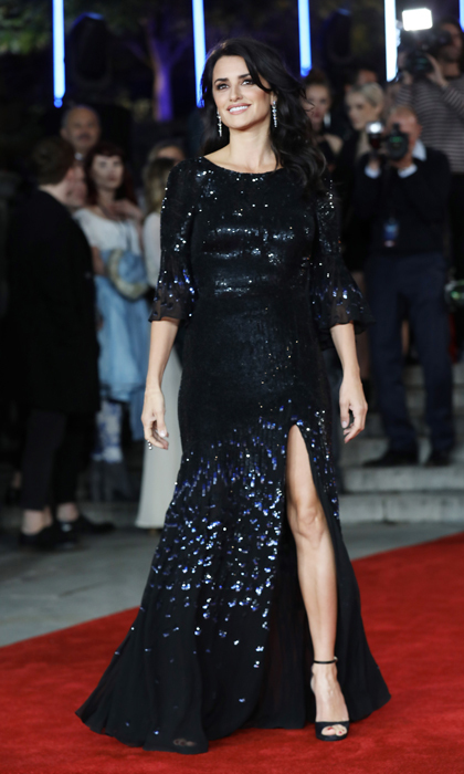 Penelope Cruz wore one of Kate Middleton's go-to designers, Temperley London for the <i>Murder on the Orient Express</i> London carpet. 