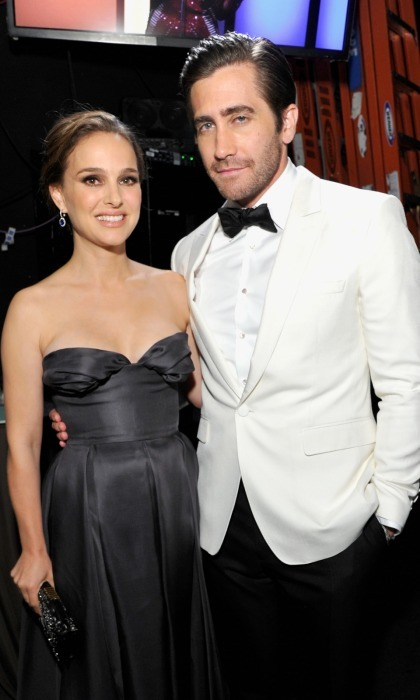 Natalie Portman and Jake Gyllenhaal were also on hand for the 31st American Cinematheque Award presentation. Natalie, who looked stunning in a Dior Haute Couture ball gown, seemed happy to catch up with her ex-boyfriend Jake backstage at the Hollywood event honoring Amy Adams.