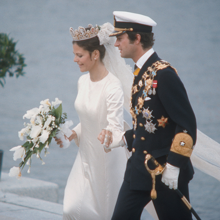 <B>MARRIED 40+ YEARS</B>