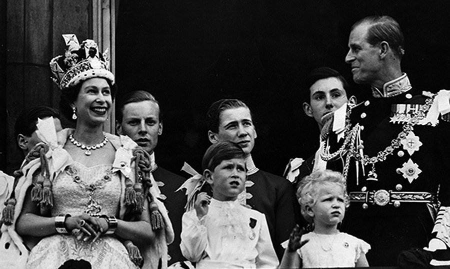 Queen Elizabeth and Prince Philip's 70th anniversary: A ...