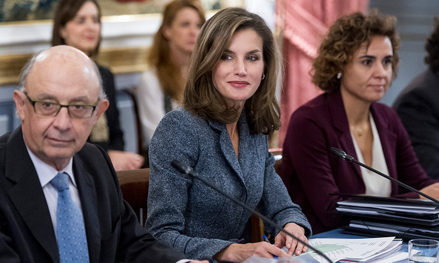 Pen in hand and ready for her close-up, Queen Letizia of Spain seemed to be echoing her days as a national news anchor when she met with the council of the Royal Board of the Reina Letizia Awards. The gathering took place at El Pardo Palace in Madrid on November 21.