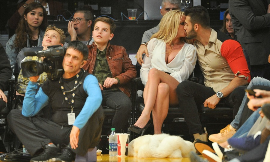 Family date night! Britney Spears brought her boys Sean Federline and Jayden James Federline along for a night out with her boyfriend Sam Asghari. The foursome attended an L.A. Lakers home game against the Golden State Warriors at Staples Center on November 29. While the Lakers may have lost it looks like Brit and Sam were certainly having a winning night!