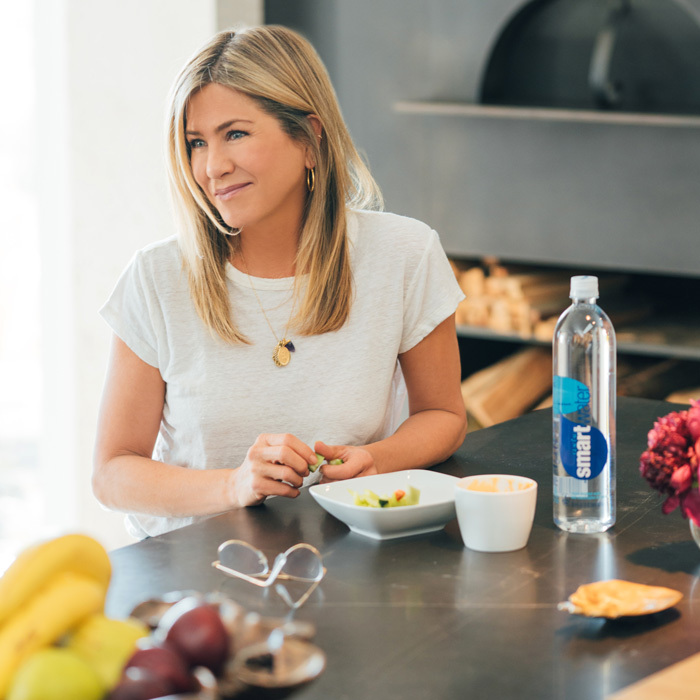 Jennifer Aniston, who doesn't have her own social media accounts, took over @smartwater to share what a day in her life looks like. She started with breakfast and ended with a dinner out with best friend Courteney Cox.
