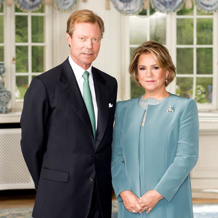 Grand Duke Henri of Luxembourg, and his wife Maria Teresa, Grand Duchess of Luxembourg, posed inside of the palace for a brand new official portrait released on December 14.