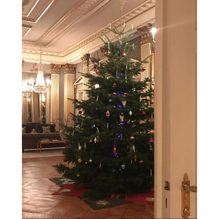 <b>Amalienborg Palace</b>