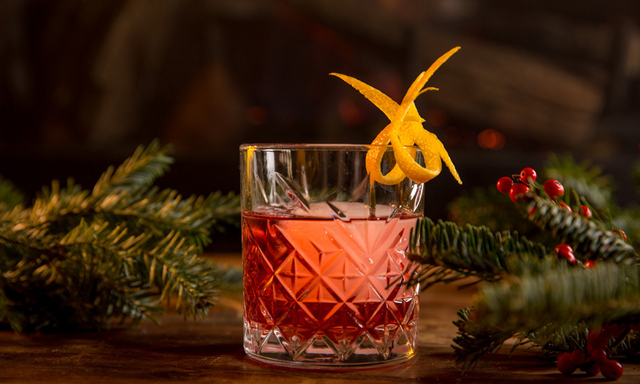 <b>'Tis the season for decking the halls, being merry and indulging in some great food and drink. With the holidays well underway, here are some last-minute cocktail recipes perfect for Christmas and all the way to counting down to 2018.</b>
