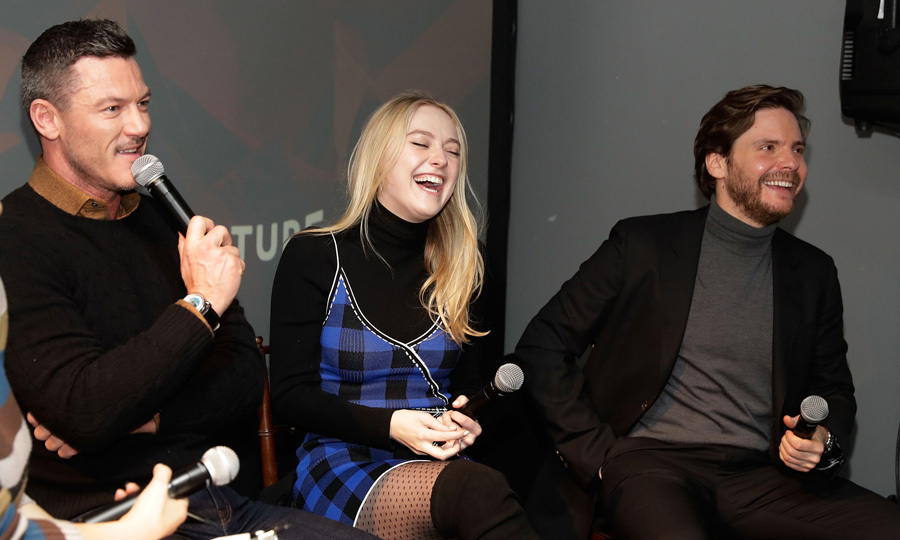 Luke Evans had <i>The Alienist</i> co-stars Dakota Fanning and Daniel Bruhl cracking up at the season premiere presented by New York Magazine, Vulture and TNT. 